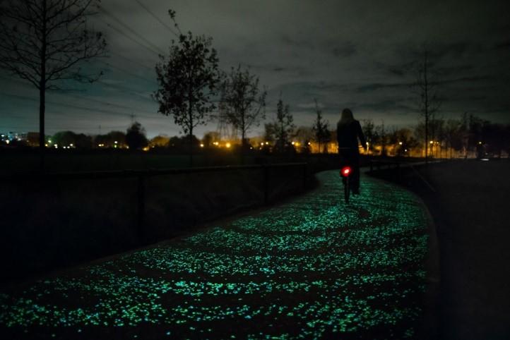 Ciclovia a noite iluminada com alta tecnologia - RHG Seguros